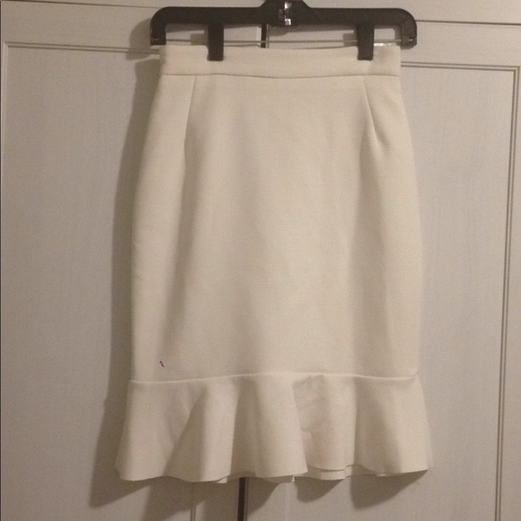 H&M Dresses & Skirts - H&M WHITE PENCIL SKIRT WITH RUFFLE HEM SIZE 4